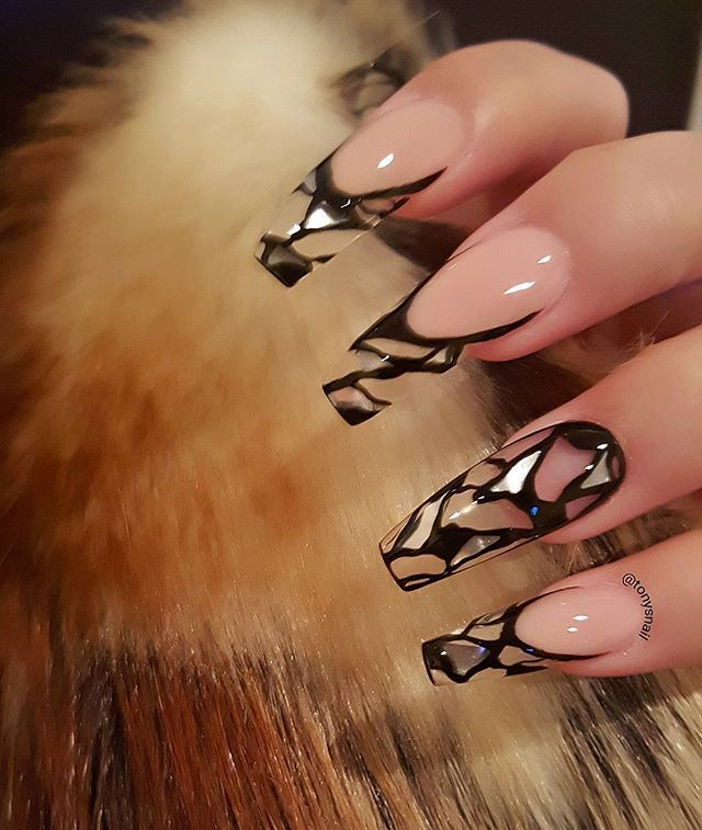Custom nails design #geldesign