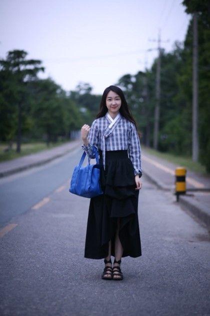 Korean modern casual Hanbok. Style of skirt critically matters....