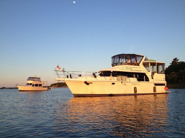 1996 Carver 440 Aft Cabin Motor Yacht Power Boat For Sale -