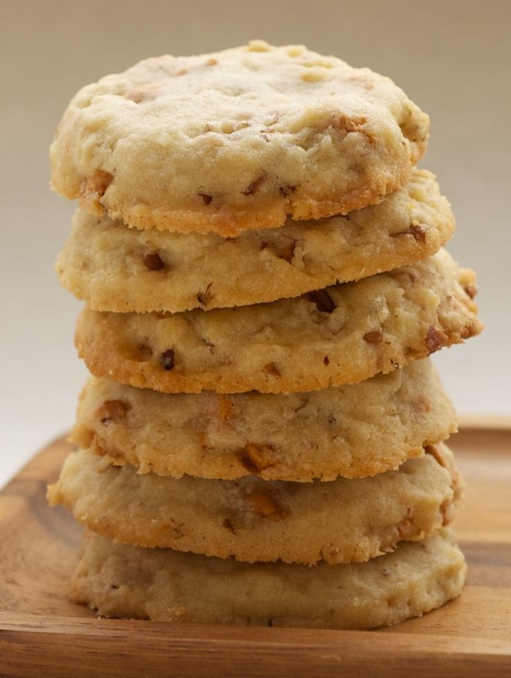 Butterscotch Pecan Sandies | Bake or Break Recipe from Guittard who make the BEST Butterscotch chips which you need for this recipe ;)