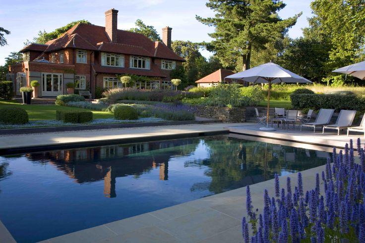 Stunning swimming pool by Guncast