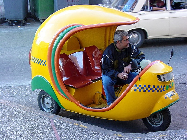 Coco taxi in Havanna (PICTURE) - Cuban Culture - Cheap transportation