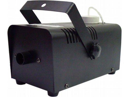 Máquina de Fumaça 400W 0,5 Litros + Controle Remoto com Fio: R$ 128.90.  Z-400 Mr Light: 4 minutos de warm-up, reaquecimento em 1 minuto, 35 segundos de fumaça, 1,5m de jato.  Comprar em http://www.aririu.com.br/maquina-de-fumaca-400w-05-litros-controle-remoto-com-fio_95xJM