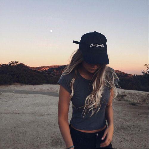 Have you ever been in California?  @weheartit #longhair #hår #california #beauty #caps #blonde #curls #inspirasjon #skjønnhet #jente #hairextension #løshår #hårforlengelse