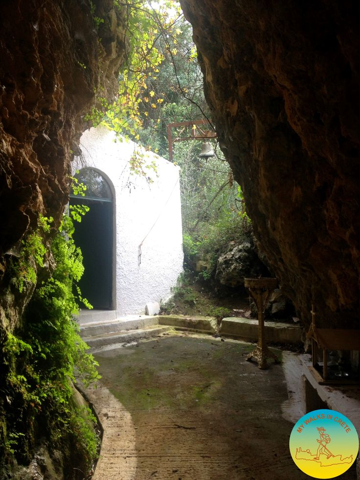 #discovering hidden churches during #mywalksincrete
