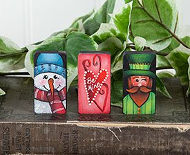 Seasonal Pins Part 1 Painting Instruction Packet by MaryJo Tuttle. Exclusive Free Downloadable Pattern and wood surface available at www.ArtistsClub.com