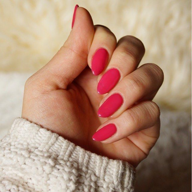 #wildstrawberries #semilac #newnails #nails #semigirls #naturalnails #hm #nailinspiration #hybridnails #potd #pink #red #love #good #day #with #pretty #nail #l4l #f4f