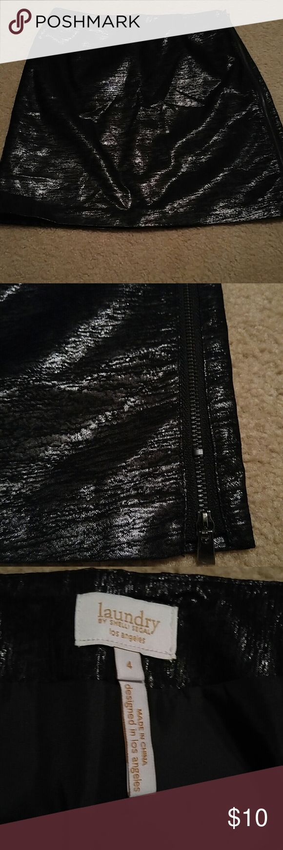 Laundry Shelli Segal Black Metallic Mini Skirt 4 Laundry by Shelli Segal Black Metallic Mini Skirt. Size 4. Polyester. Zips all the way down the left side. Excellent shape!! Laundry by Shelli Segal Skirts Mini