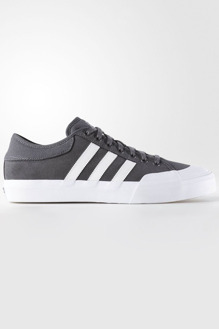 The board-ready feel of adidas rubber-toe B-ball shoes first caught