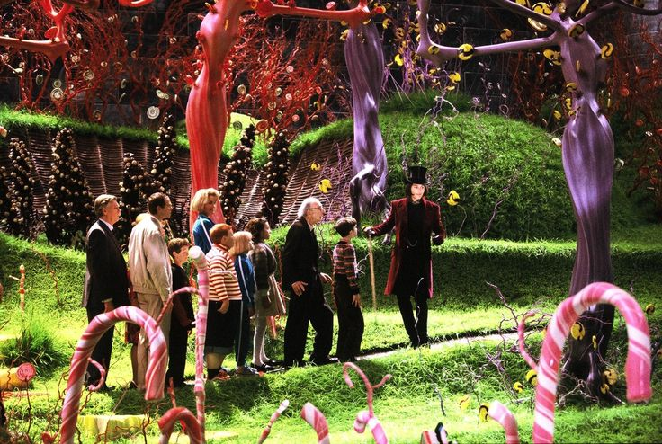 Still of Johnny Depp, James Fox, Adam Godley, Freddie Highmore, David Kelly, Missi Pyle, AnnaSophia Robb, Julia Winter, Jordan Fry and Philip Wiegratz in Charlie and the Chocolate Factory (2005) http://www.movpins.com/dHQwMzY3NTk0/charlie-and-the-chocolate-factory-(2005)/still-3292368640