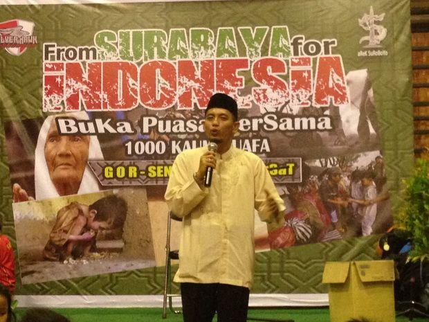 Arek Suroboyo Buka Puasa Bersama Ribuan Kaum Dhuafa  http://metro.sindonews.com/read/1119739/170/arek-suroboyo-buka-puasa-bersama-ribuan-kaum-dhuafa-1466883388  #Suroboyo #Surabaya #Jakarta