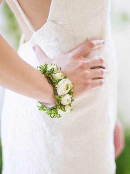 Unique floral bridal bracelet by Milwaukee Flower Co. | Photograph by Twin Lens Weddings