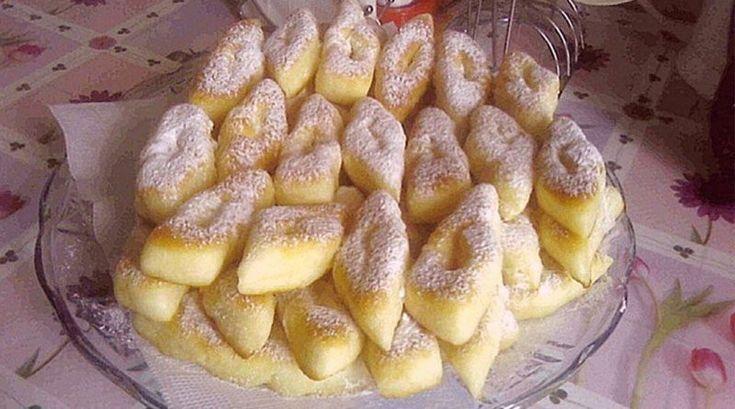 Пышные и вкусные вергуны. Готовятся быстро и так же быстро съедаются! http://optim1stka.ru/2017/10/15/pyshnye-i-vkusnye-verguny-gotovyatsya-bystro-i-tak-zhe-bystro-sedayutsya/