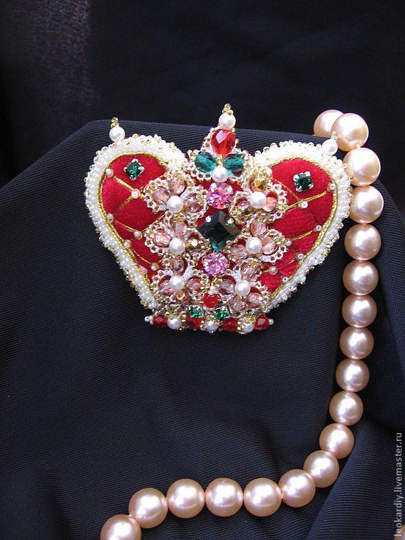 """Купить Брошь-Кулон """"Императрица"""" - ярко-красный, брошь-корона, корона, украшение в виде короны"""