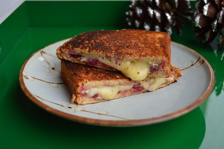 ... brie grilled cheeses food grilled cheese cheeeese nutrition cranberry