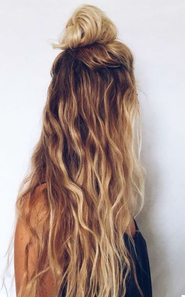 half up top knot, messy waves, beachy waves