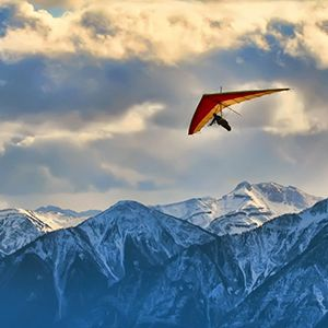 Hang Gliding with the University of Calgary Outdoor Centre