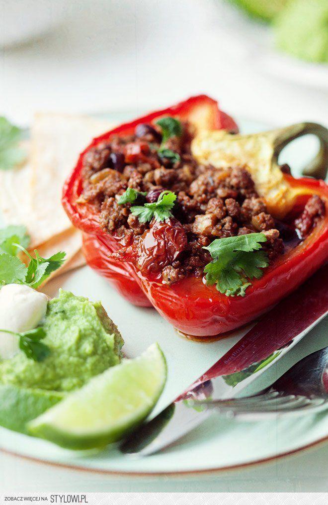 Papryki faszerowane chili con carne | Kwestia Smaku na Stylowi.pl