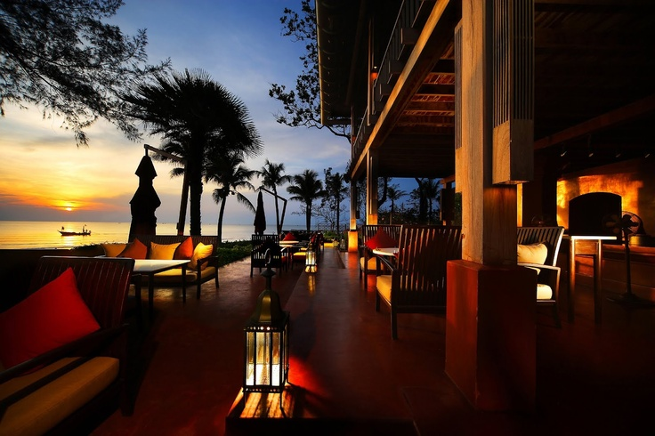 A Thai sunrise at Hyatt Regency Hua Hin. Repin if you wish you were there!