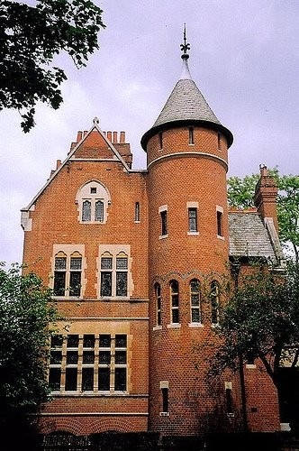 Led Zeppelin's guitarist Jimmy Page owns this medieval home in London: The Tower House and has since 1972.