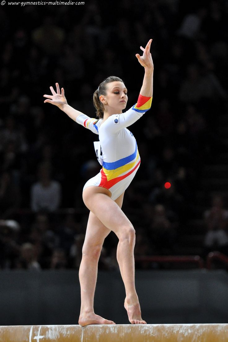 Flexible junior nudist