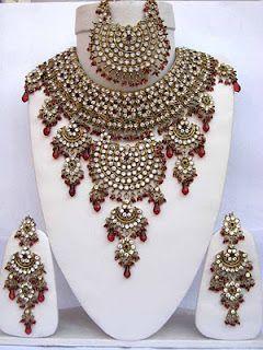 Latest Pakistani Indians & Arabic mehndi design jewelry & dresses Fashions 2012 2013 2014: Latest Indian bridal Gold jewelry sets fancy designs