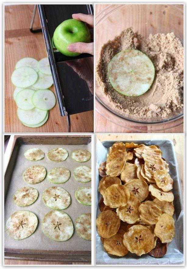 appels in dunne schijfjes met de mandoline, door de bruine suiker met kaneel halen en dan op een bakplaat leggen (zorg ervoor dat ze niet overlappen). In de oven op 225 graden Fahrenheit wat dus voor