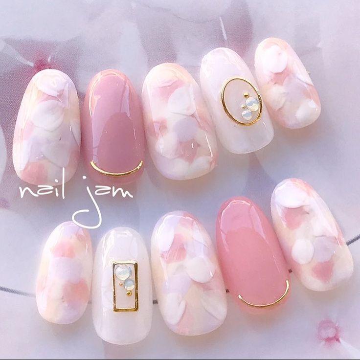 幸せカラーにきゅん♡可愛い2018年春ネイルデザインカタログ* | marry[マリー]