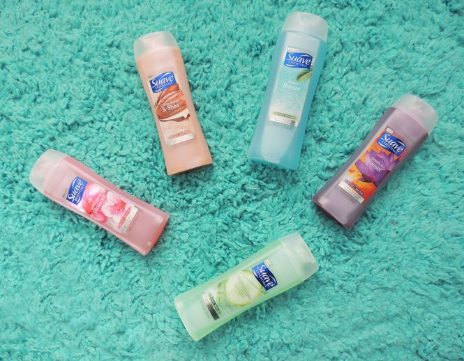 Keep your beach bags light + wallets happy like Adriana with new scents from #SuaveBodyWash!