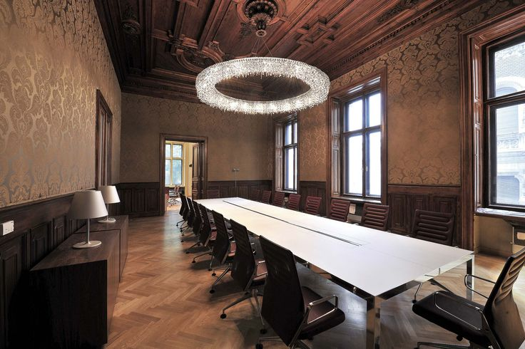 LOOOP MANOOI #Manooi #crystalchandelier #chandelier #lighting #design  #Looop #luxury #furniture #interior