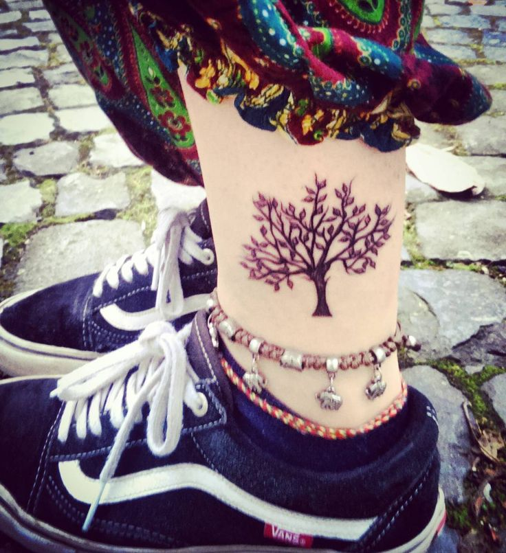 1000 Ideas About Thigh Script Tattoo On Pinterest: 1000+ Ideas About Life Tree Tattoo On Pinterest