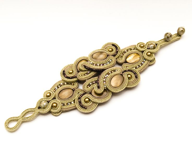 Soutache and mother of pearl bracelet by Manja Soutache Jewelry: Baroque Gold line