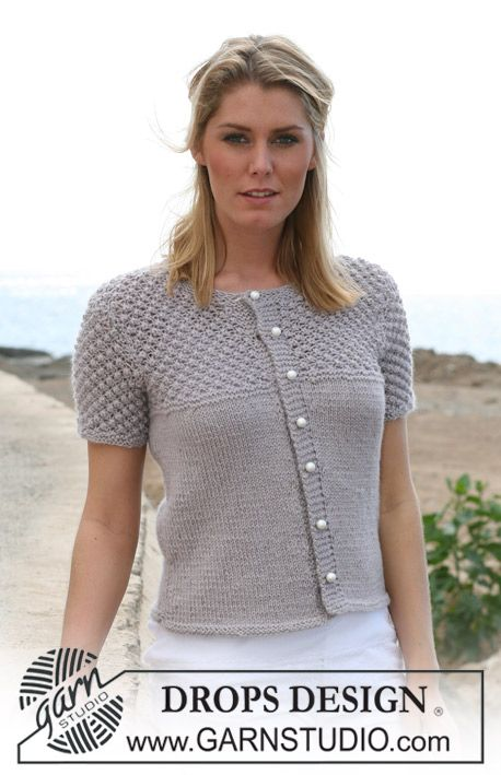 """DROPS jacket with short sleeves in stocking st and blackberry pattern in """"Silke-Alpaca"""". Sizes: S - XXXL ~ DROPS Design"""