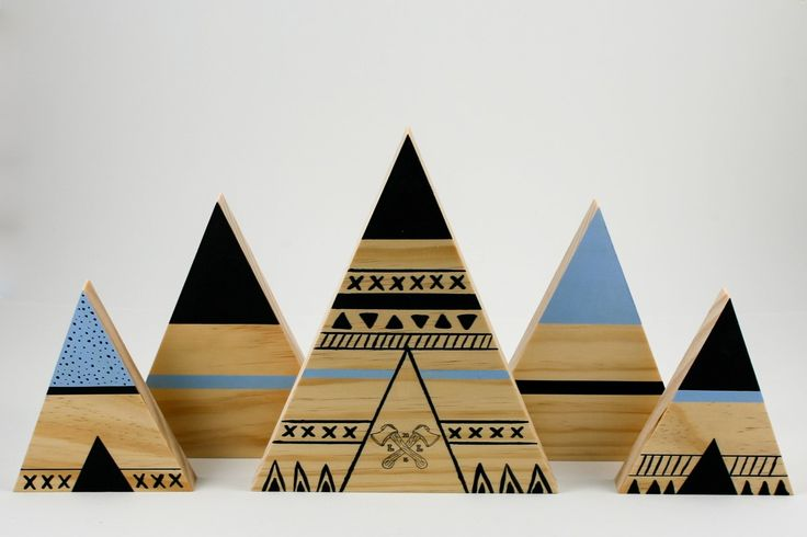 Blue wooden Teepee and mountain set
