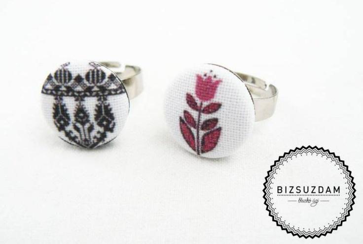 Virágos, parafa alapú gyűrű by http://www.breslo.hu/BIZSUZDAM/shop