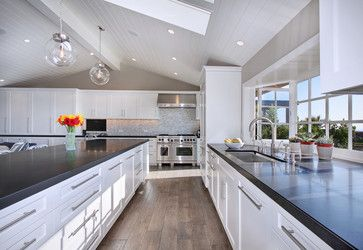 Oak Hardwood Flooring Design Ideas, Pictures, Remodel, and Decor - page 11