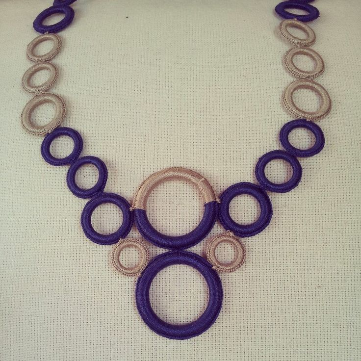 Collana realizzata a mano a uncinetto. Accessori ilerobybijoux interamente handmade
