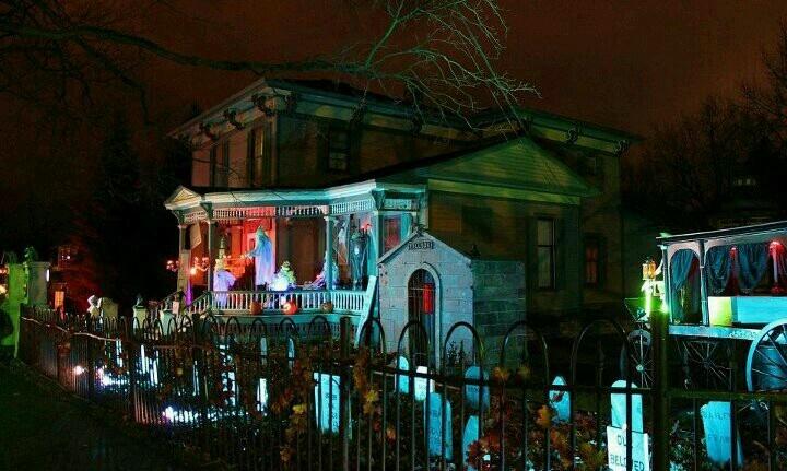 Tillson street Romeo Mi  Home haunts  Halloween crafts