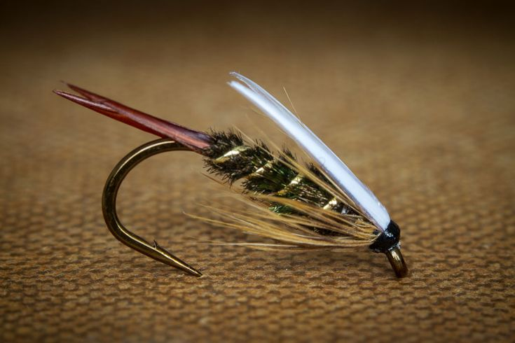 how to tie a black fly