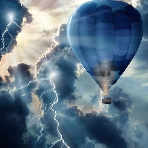 ❤ One of my favorite things:  Hot Air Balloons                                                                                                                                                                                 Mehr