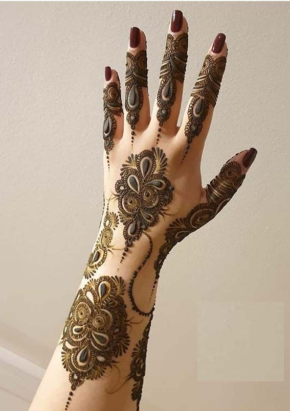 Simply Stylish Henna Arts And Images To Create In 2020 Mehndi Design Images Henna Designs Hand Mehndi Designs