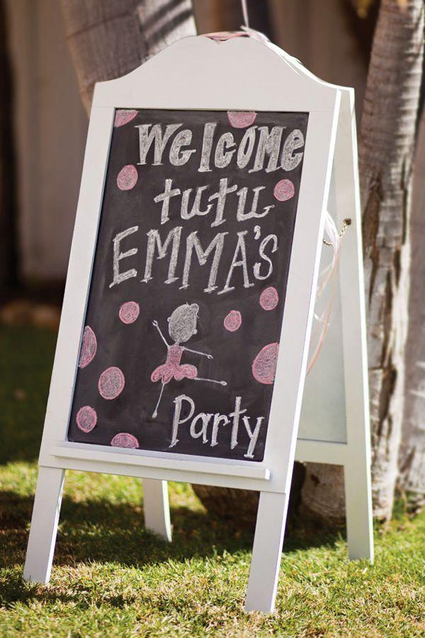 "Adorable ""Tiny Dancer"" Ballerina Birthday Party // Hostess with the Mostess®"