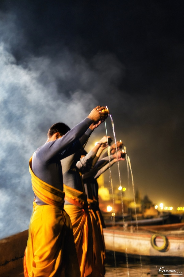 Puja at Ganges #seatsofthegoddess