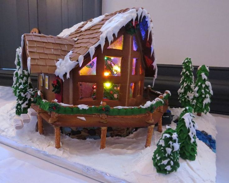 Totally Adorable Christmas Gingerbread House Decoration Ideas40