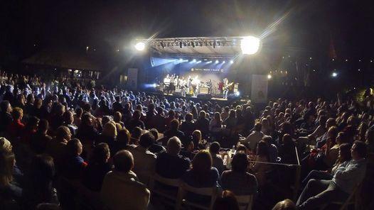 El verano de Punta del Este se enciende con un festival de música                              La temporada de verano de Punta del Este empezará a llenarse de ritmo y color el 28 de diciembre a las 22.30, cuando el ... http://sientemendoza.com/2016/12/24/el-verano-de-punta-del-este-se-enciende-con-un-festival-de-musica/