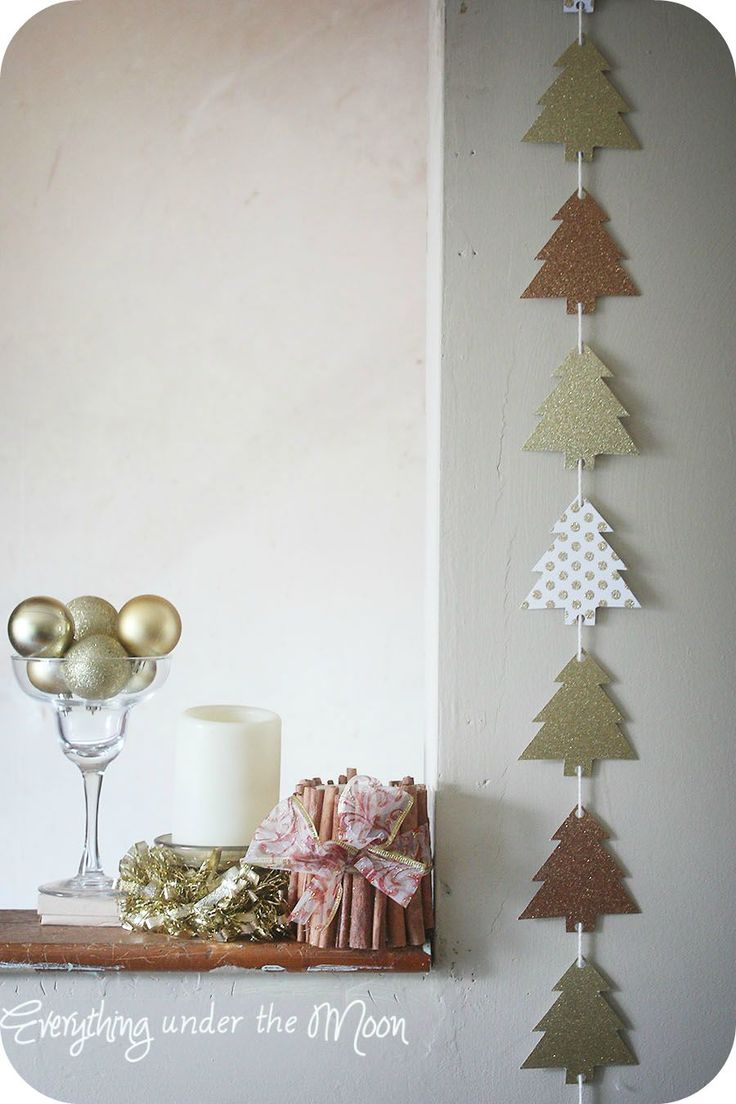 Christmas Tree Garland :: could use old Christmas cards