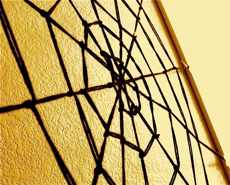 TUTORIAL: 10 min Giant Yarn Spider Web | MADE: Halloween Decor, Crafts Ideas, Yarns Spiderweb, Min Giant, Giant Yarns, Diy Spiders, Giant Diy, Halloween Ideas, Spiders Web
