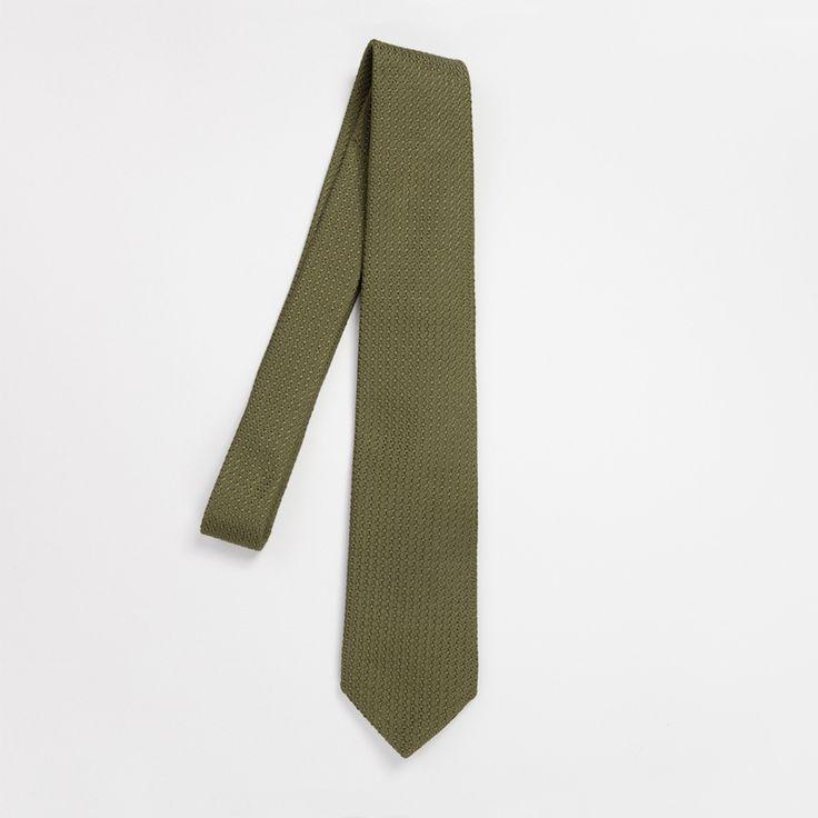 #cravate #green #vert #kaki #grenadine #madeinfrance #madeinitaly #luxe #menswear #mensfashion #atelierparticulier