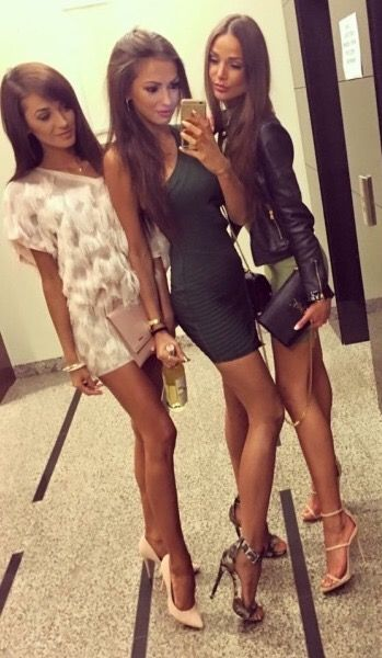 Trio long sexy legs and dresses