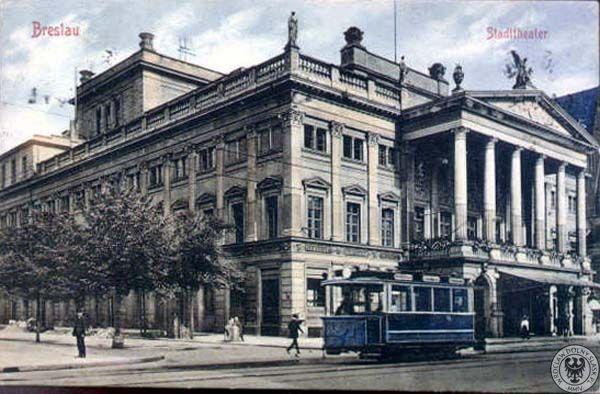 Niebieski tramwaj na Schweidnitzerstr. (ul. Świdnicka) na tle Stadttheater (Opera)
